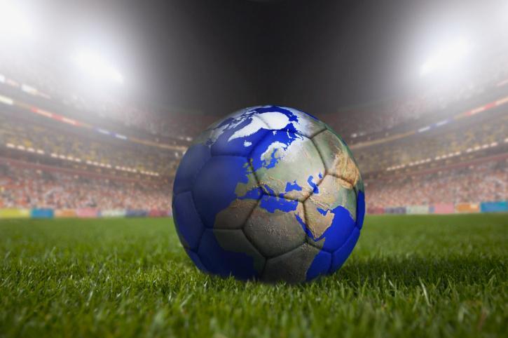 Futbalová lopta s mapou sveta