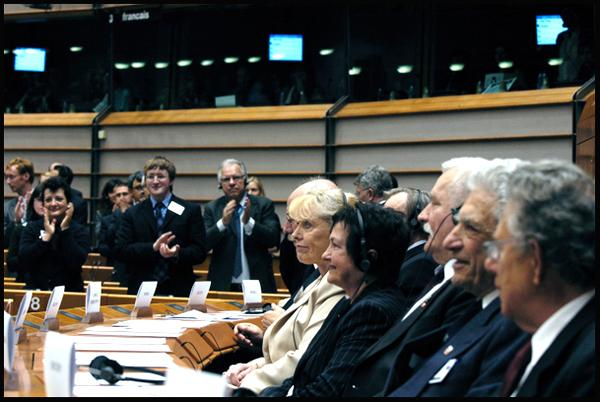 Nobel prize Laureates in Parliament's hemicycle: 9 May