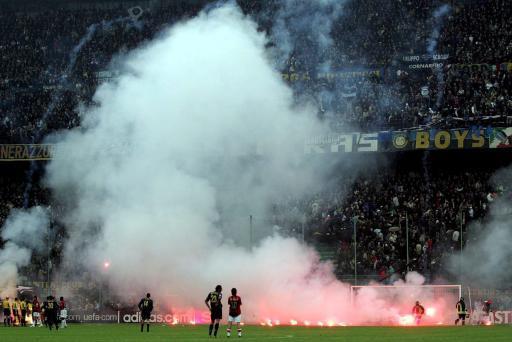 Štvrťfinále Ligy majstrov medzi Interom Miláno a AC Miláno © BELGA/EPA/Daniel Dal Zennaro