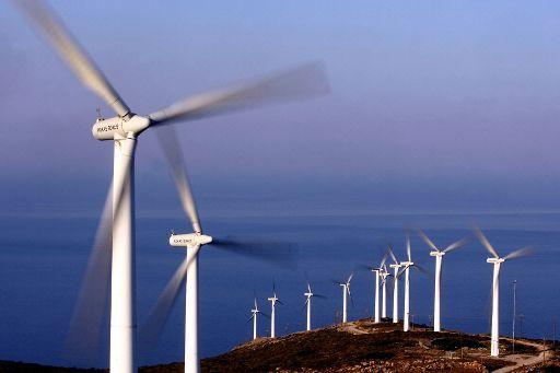 Větrná elektrárna ©BELGA/AFP/Aris Messinis