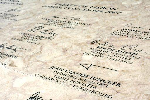 Signatures on Lisbon Treaty