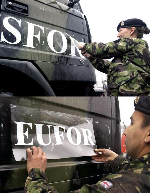 Δύο Βρετανοί-μέλη της αποστολής του ΝΑΤΟ στην Βοσνία-Ερζεγοβίνη ©BELGA/AFP