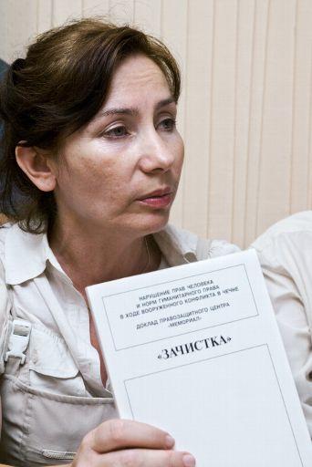 Natalia Estemirova, militante des droits de l'homme, prix Anna Politkovskaïa 2007, retrouvée morte le 15 juillet 2009. ©BELGA/Photo ITAR-TASS/Sergei Uzakov