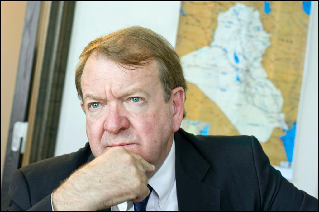 Scottish MEP Struan Stevenson with a map of Iraq in the background