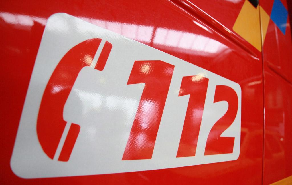 Un camión de bomberos con el 112 rotulado ©BELGA/J.Warnand