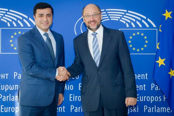 http://www.europarl.europa.eu/former_ep_presidents/president-schulz-2014-2016/img/full/20160927_ep-041254a_wme_169.jpg