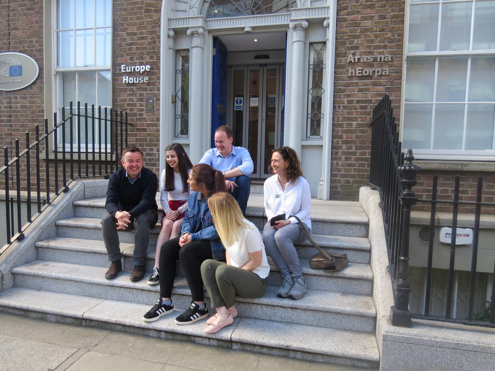 MEPs Lynn Boylan and Brian Hayes with young people outside Europe House - 5 May 2018