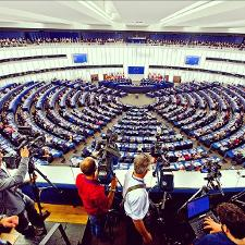 Picture of cameramen in hemicycle in Strasbourg