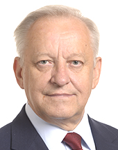 headshot of Bolesław G. PIECHA