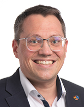 headshot of Tiemo WÖLKEN