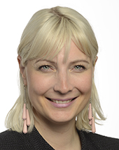 headshot of Laura HUHTASAARI