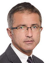 headshot of Adrian-Dragoş BENEA