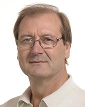 headshot of Viktor USPASKICH