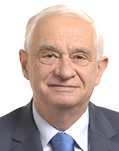 headshot of Janusz ZEMKE