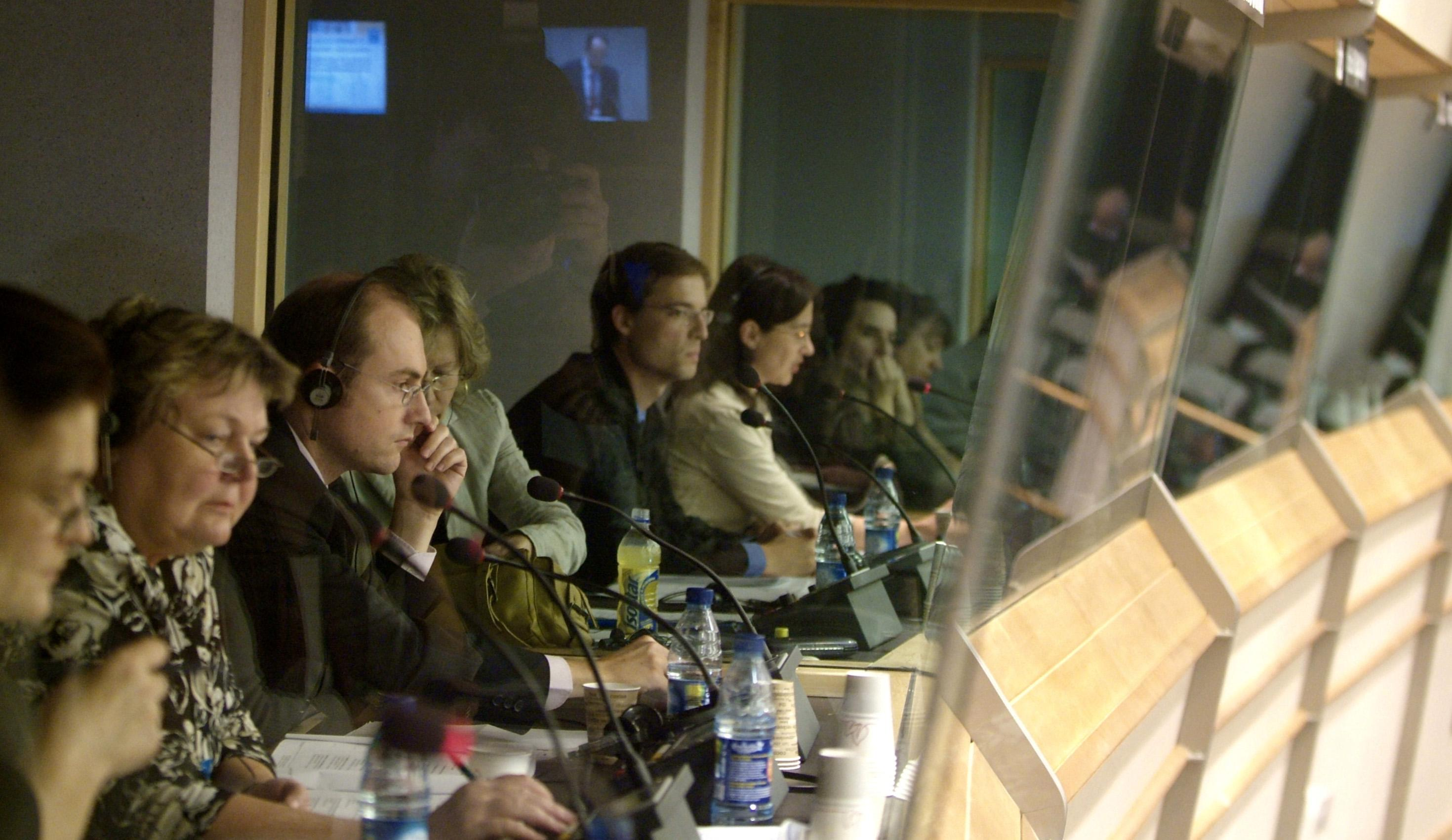 Team of interpreters at work - © EP Photo Service