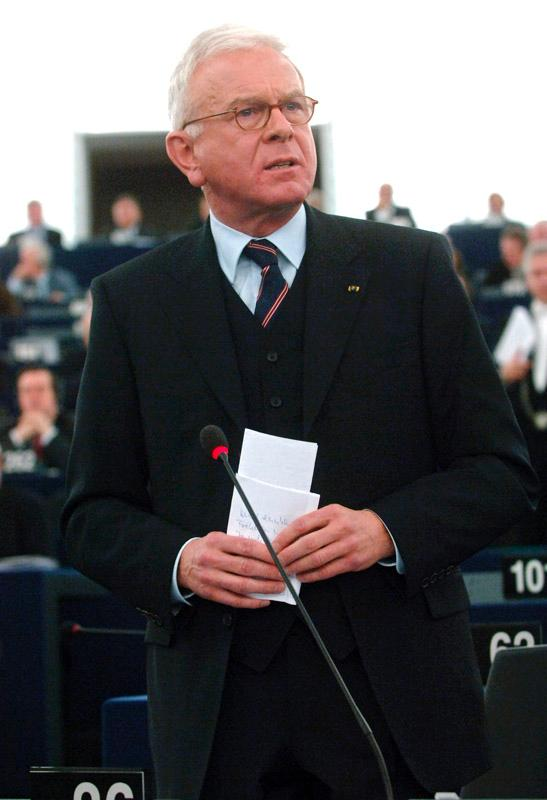 Hans-Gert Poettering elected President of the European Parliament