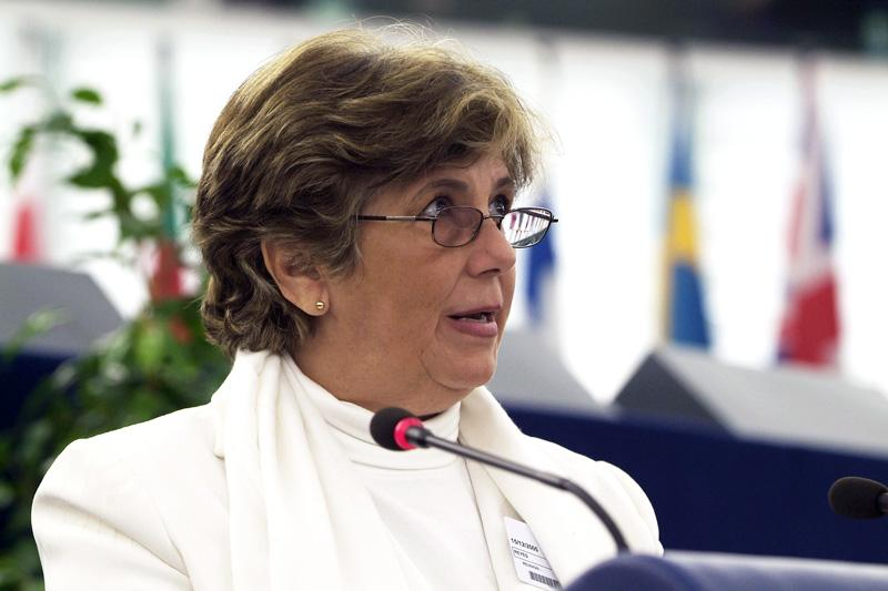 "2005 - ""Ladies in White"": Blanca Reyes speaks to MEPs after the group were honoured for their support for political prisoners in Cuba. She is the European coordinator of the group."