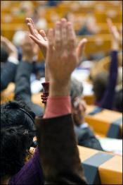 SECTION 1 Focus: MEPs rise their hands to vote