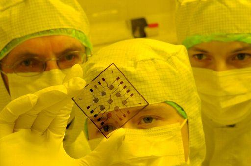 Deputowani chcą lepszej współpracy naukowców z biznesem. ©BELGA_EPA_WALTRAUD GRUBITZSCH