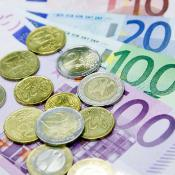 Currency, Euro banknotes and coins  ©BELGA/SCIENCE