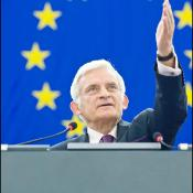 Jerzy Buzek during opening of June's session