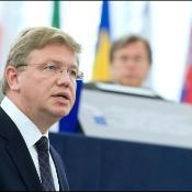 Le commissaire Stefan Füle, représentant la Haute représentante Catherine Ashton, en plénière.