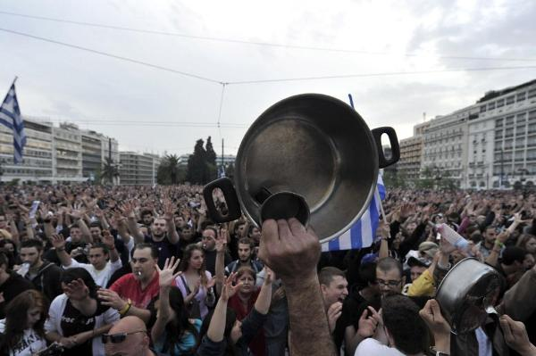 Demonstrationer i Aten den on 27 maj 2011 mot regeringens åtstramningspaket.  ©BELGA/AFP/A.Messinis