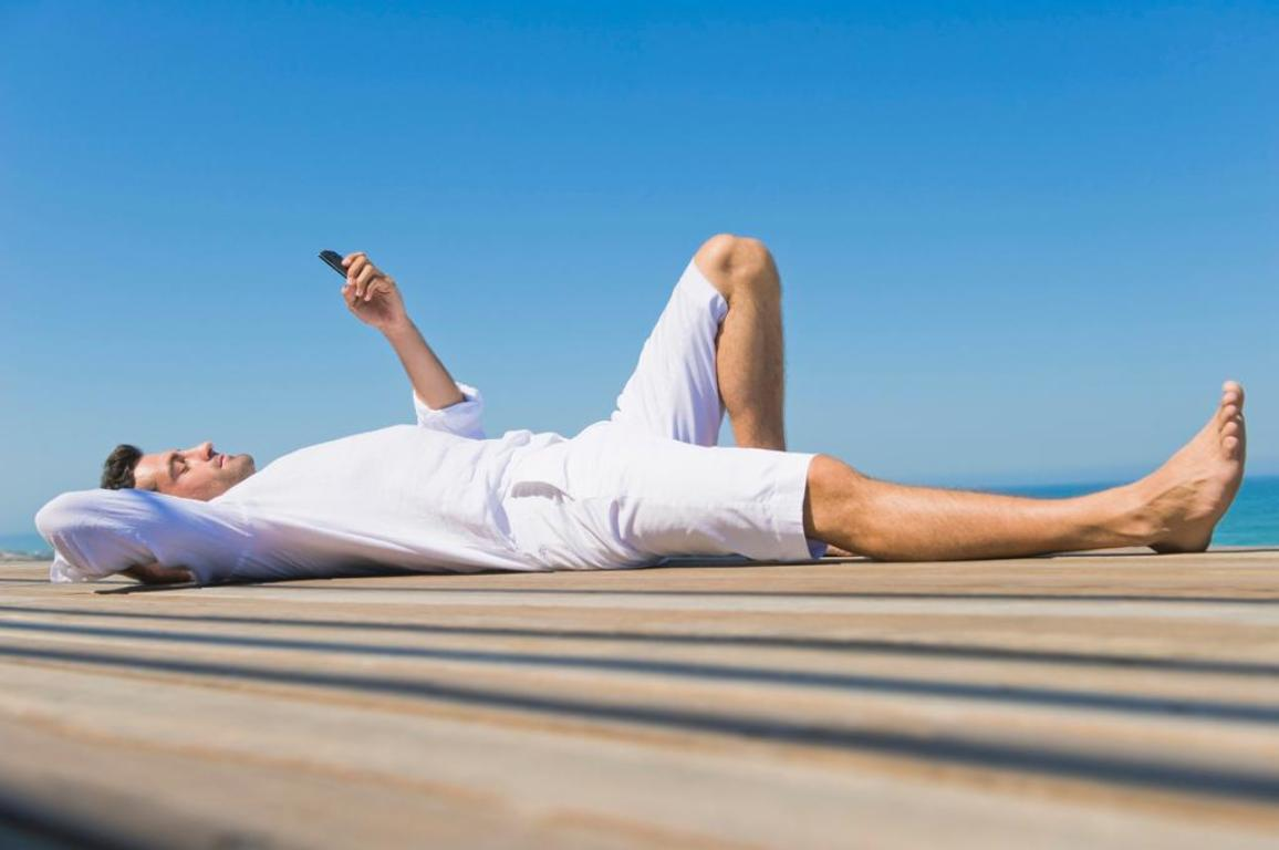 Roaming charges drop further 1 July   News   European Parliament