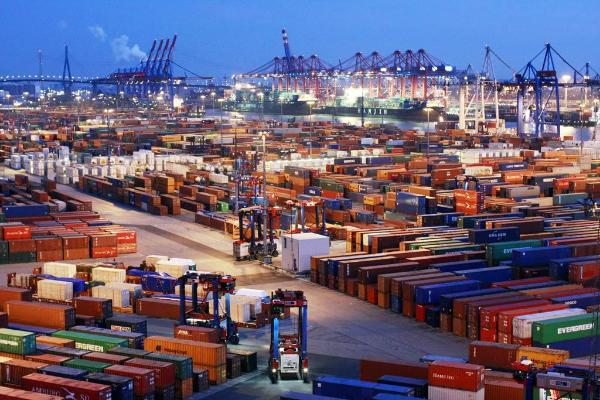 36 miljoner arbetstillfällen (18 procent av alla jobb) är beroende av utrikeshandeln.©BELGA/AFP/R.Magunia