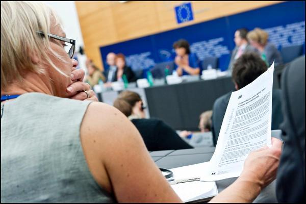 Deputowani ocenią efekty niedzielnej Rady Europejskiej.