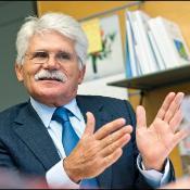 El presidente de la comisión de Comercio Internacional del PE, el socialista portugués Vital Moreira