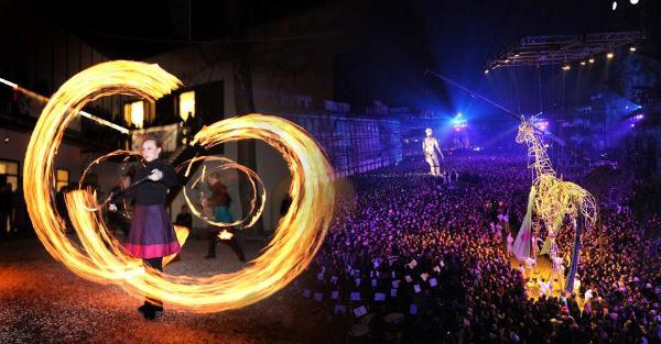 Snímek ze zahajovacího ceremoniálu Evropského města kultury 2012