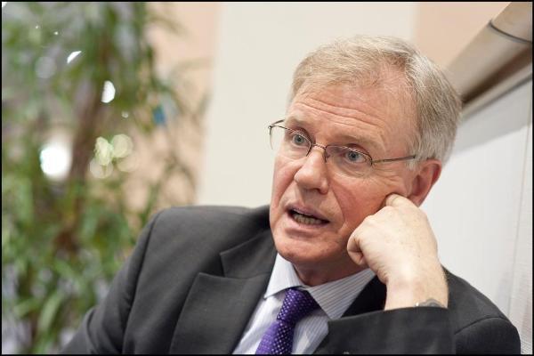 """""""Bisogna girare una pagina politica durata 60 anni"""" ha sottolineato James Moran."""