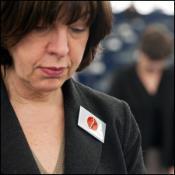 I deputati hanno osservato un minuto di silenzio in ricordo delle vittime della tragedia di Fukushima, avvenuta un anno fa in Giappone.