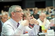 David Martin, rapporteur du Parlement sur ACTA, lors du débat en commission du commerce international.