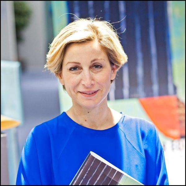 Die italienische Senatorin Sabrina Bianchi: Die Gesellschaft hat die Ungleichheiten erkannt und Maßnahmen dagegen unternommen. Aber jetzt muss das auch in die Praxis umgesetzt werden, um alle Unterschiede zwischen Männern und Frauen zu beseitigen
