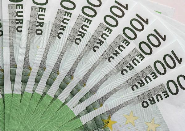 Wirtschaftsausschuss stimmt für niedrigere Boni für Banker ©BELGA/Y.Regaldi/Maxppp