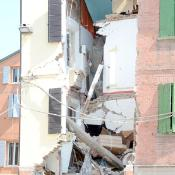 Picture of a damaged building after an earthquake struck northern Italy