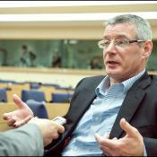 Entrevista con el eurodiputado británico David Martin sobre ACTA