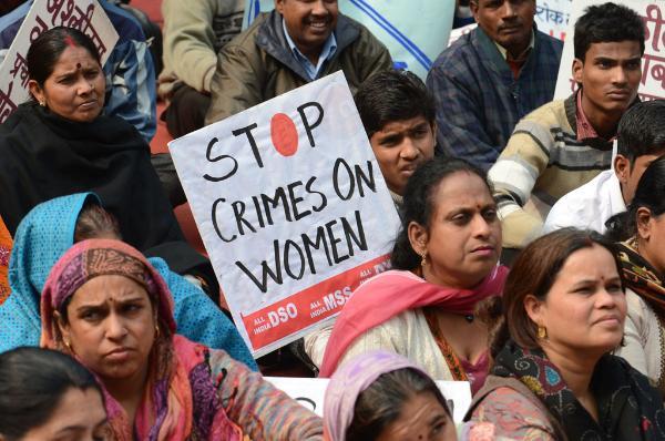 Indische Frauen demonstrieren