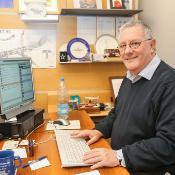 Transporto komiteto pirmininkas Brian Simpson trečiadienį atsakė į internautų klausimus apie keleivių teises