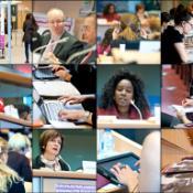 Les orateurs principaux et le public de la réunion interparlementaire sur la Journée internationale des femmes qui s'est tenue au Parlement européen