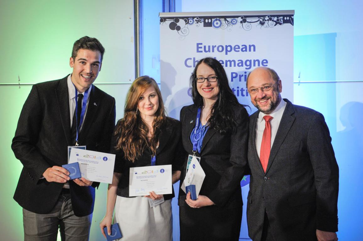 "L-R: first prize - Spanish project ""EuropeOnTrack""; second prize - Polish project ""Discover Europe""; third prize - Estonian project ""The Story of my Life"""