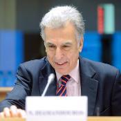 El actual Defensor del Pueblo Europeo, Nikiforos Diamandouros