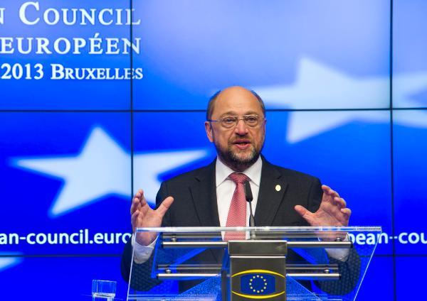 Przewodniczący PE Martin Schulz podczas konferencji prasowej na szczycie UE © The Council of the European Union