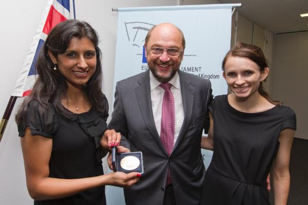 برندگان جوایز شهروندان ، مارتین شولز ، رئیس جمهور انگلیس و EP