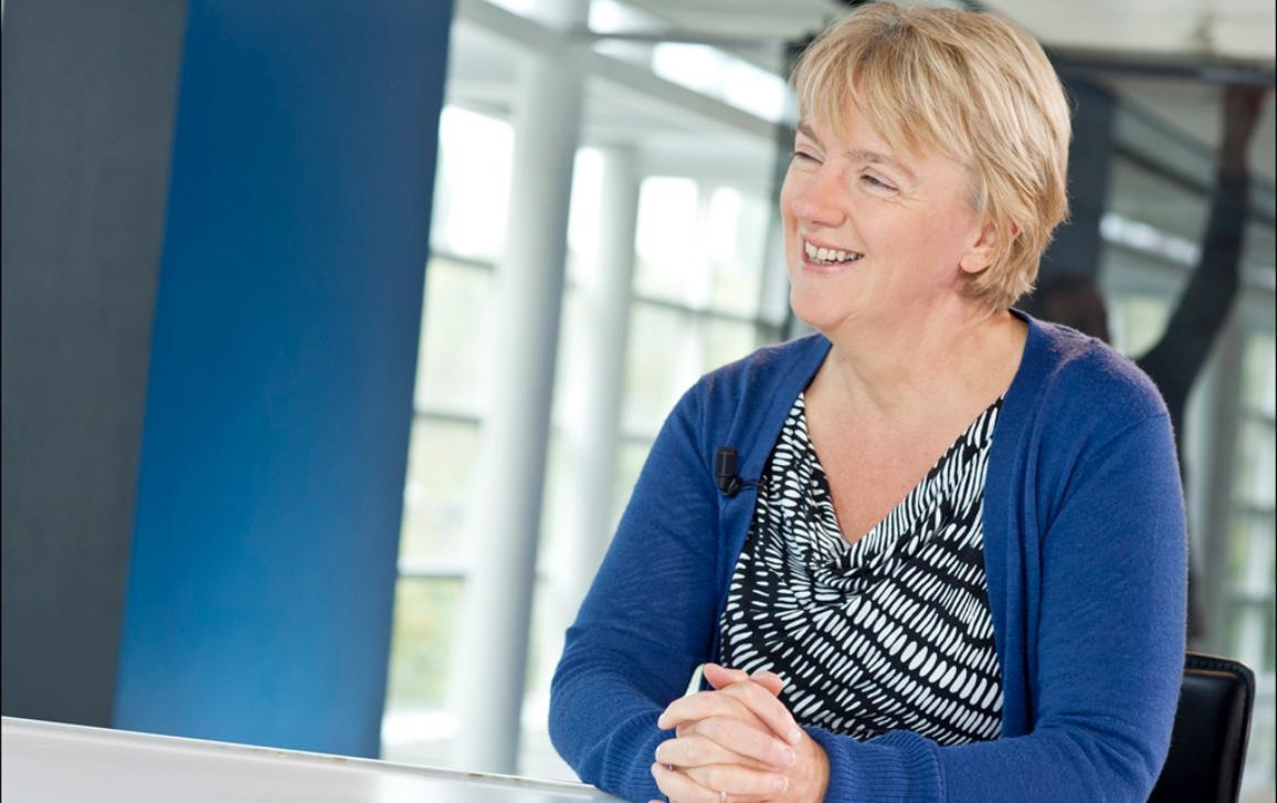 Linda McAvan během rozhovoru