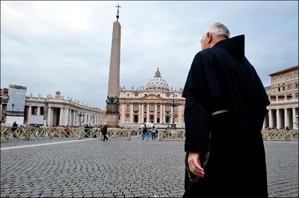 Imagen de la plaza y la basílica de San Pedro, en el Vaticano