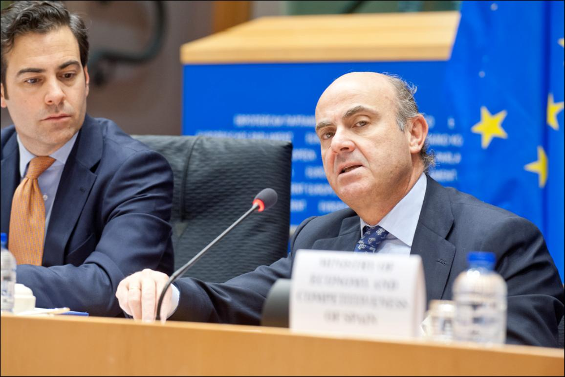 Spanish Minister of economy and competitiveness Luis de Guindos takes the floor during an ECON meeting at the EP