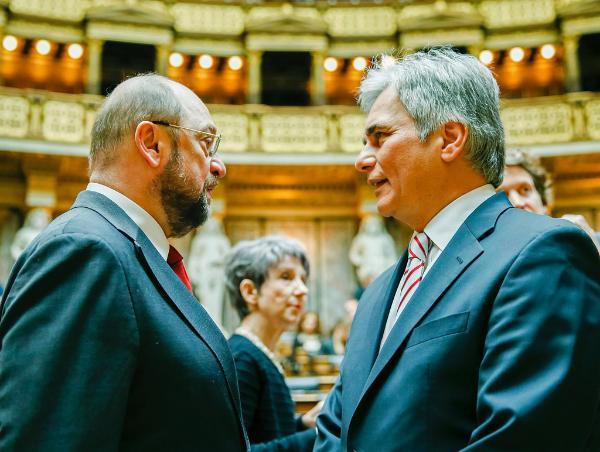 EU-Parlamentspräsident Martin Schulz (l.) und Bundeskanzler Werner Faymann (r.) ©BKA/A.Wenzel